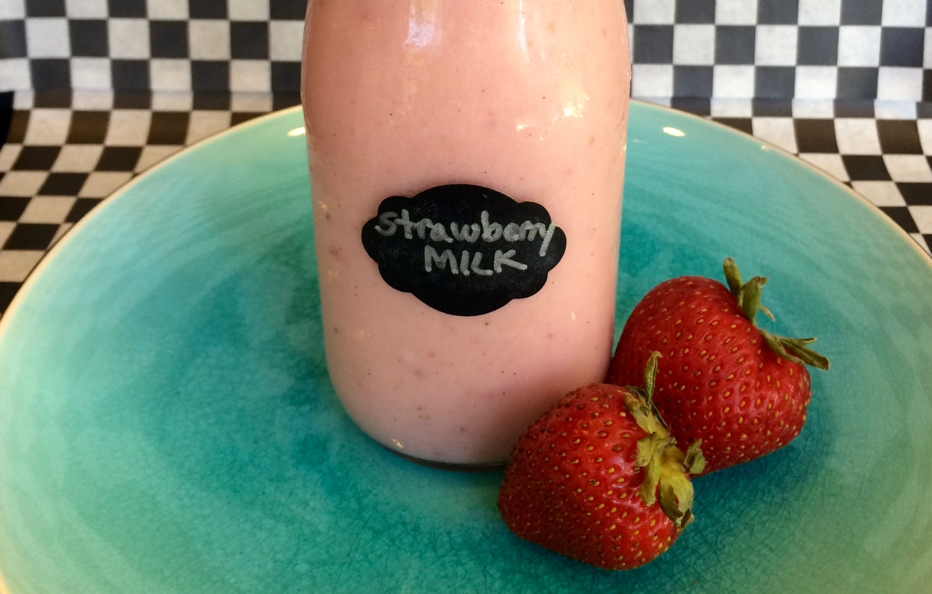 Homemade Strawberry Milk
