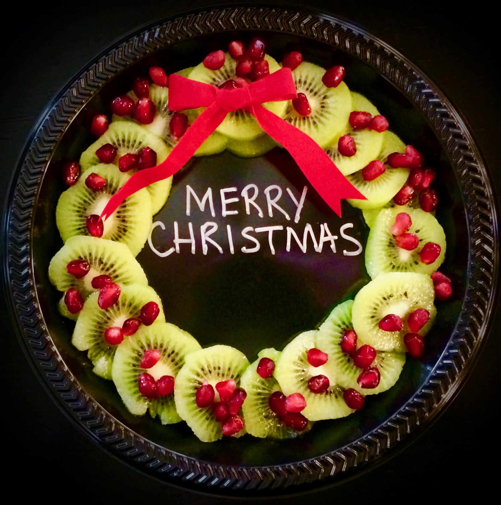 Why not give a HEALTHY alternative to traditional Christmas goodie plates this year.